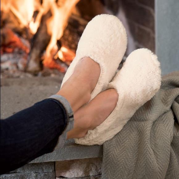 917ef53ab Pantuss Shoes   Warming Slippers Microwaveable Nwot   Poshmark